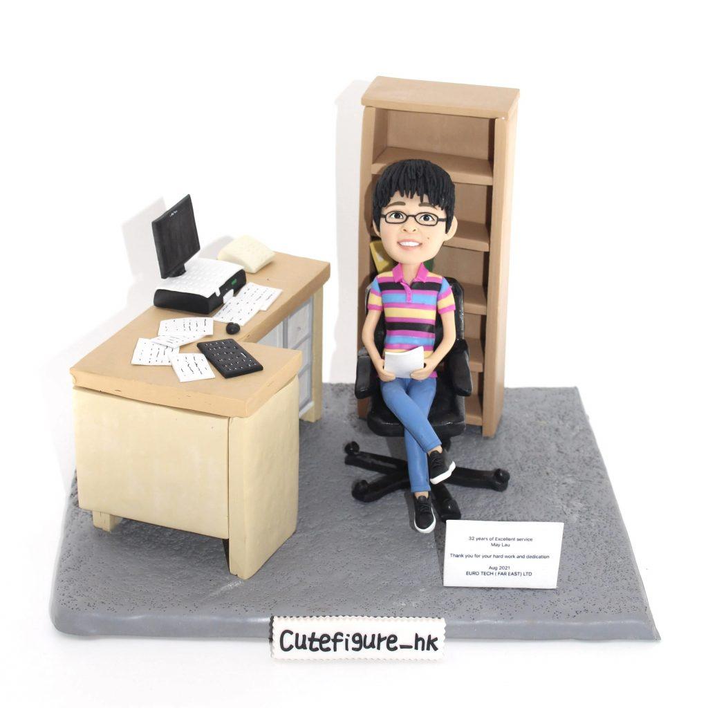 同事辦公室埸景 真人公仔 榮休禮物